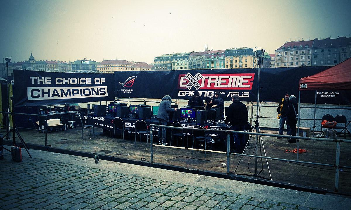 ASUS Extreme Gaming - extrémní turnaj PC hráčů uprostřed Vltavy 104749