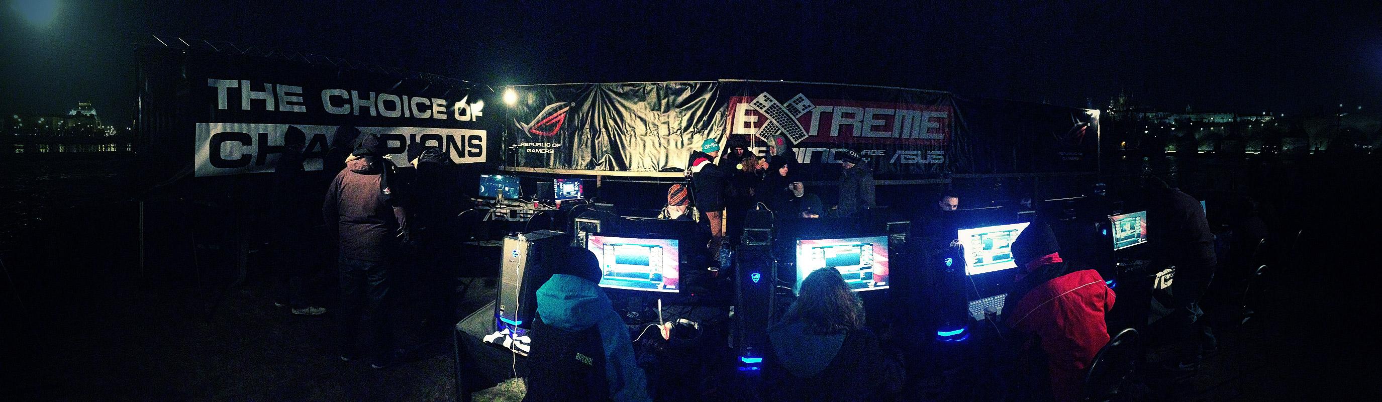 ASUS Extreme Gaming - extrémní turnaj PC hráčů uprostřed Vltavy 104751