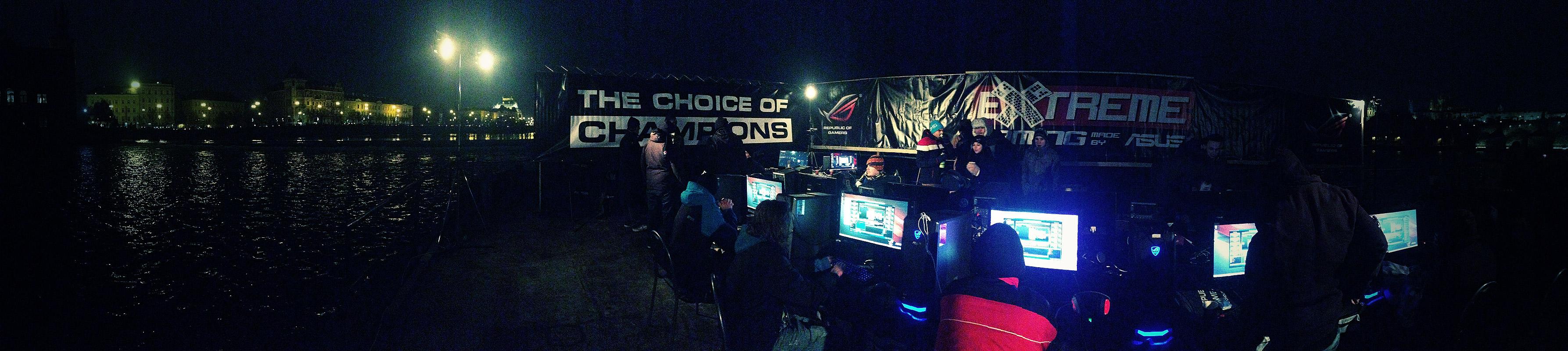 ASUS Extreme Gaming - extrémní turnaj PC hráčů uprostřed Vltavy 104752