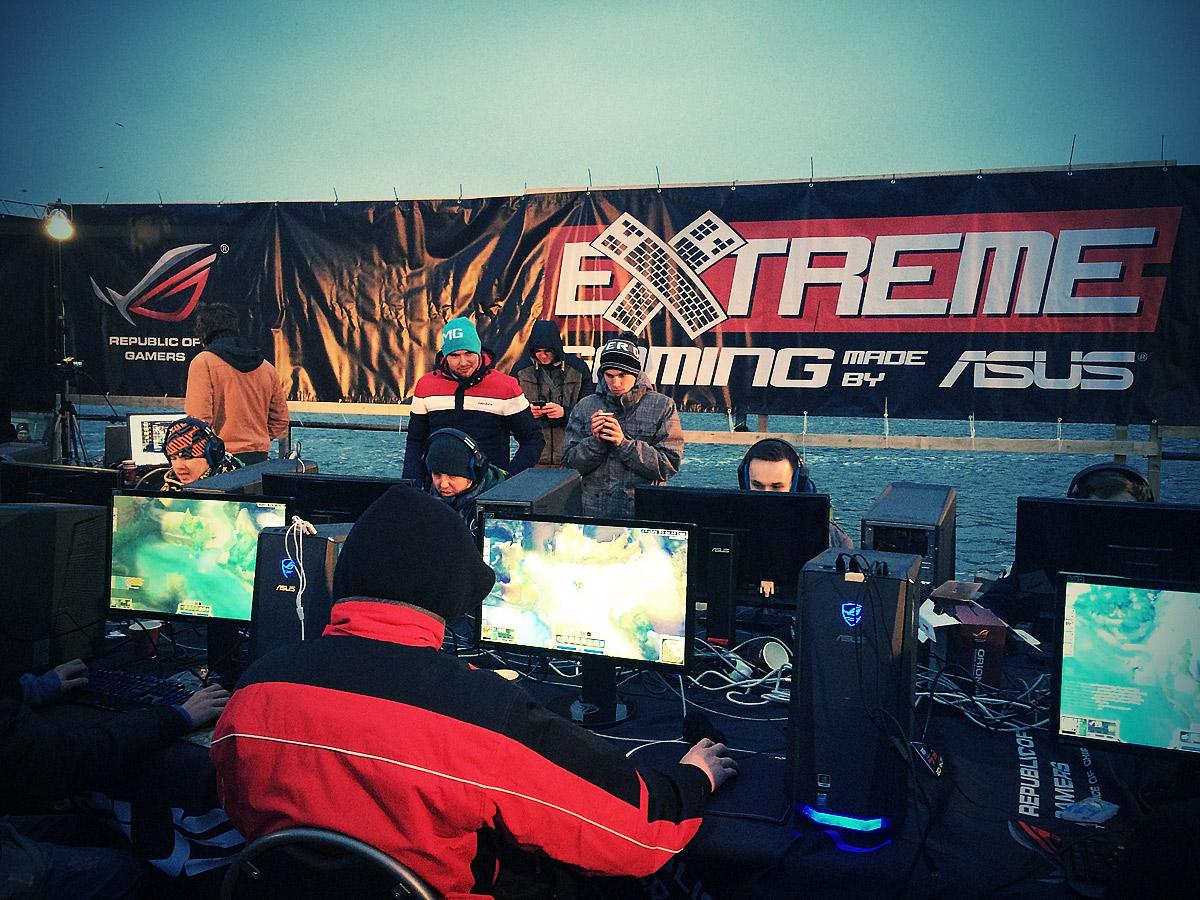ASUS Extreme Gaming - extrémní turnaj PC hráčů uprostřed Vltavy 104758