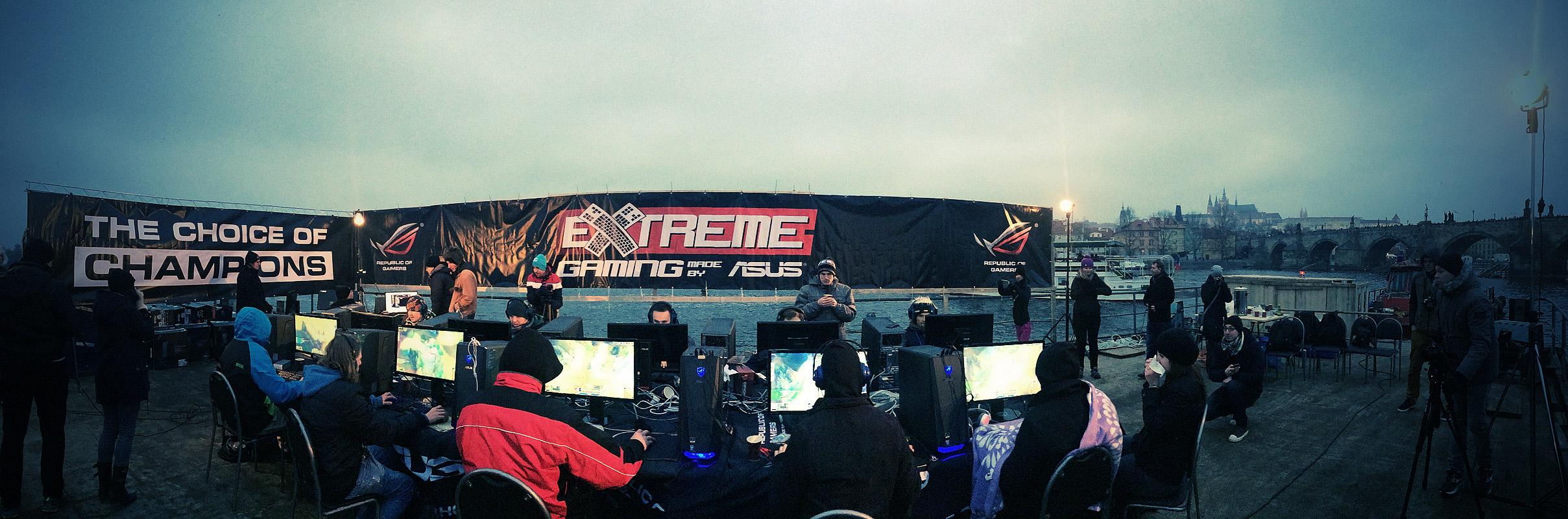 ASUS Extreme Gaming - extrémní turnaj PC hráčů uprostřed Vltavy 104760