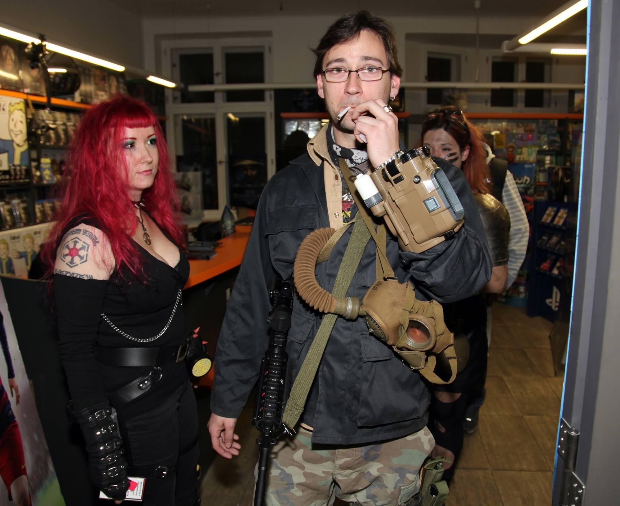 Fotky z půlnočního prodeje Falloutu 4 116093