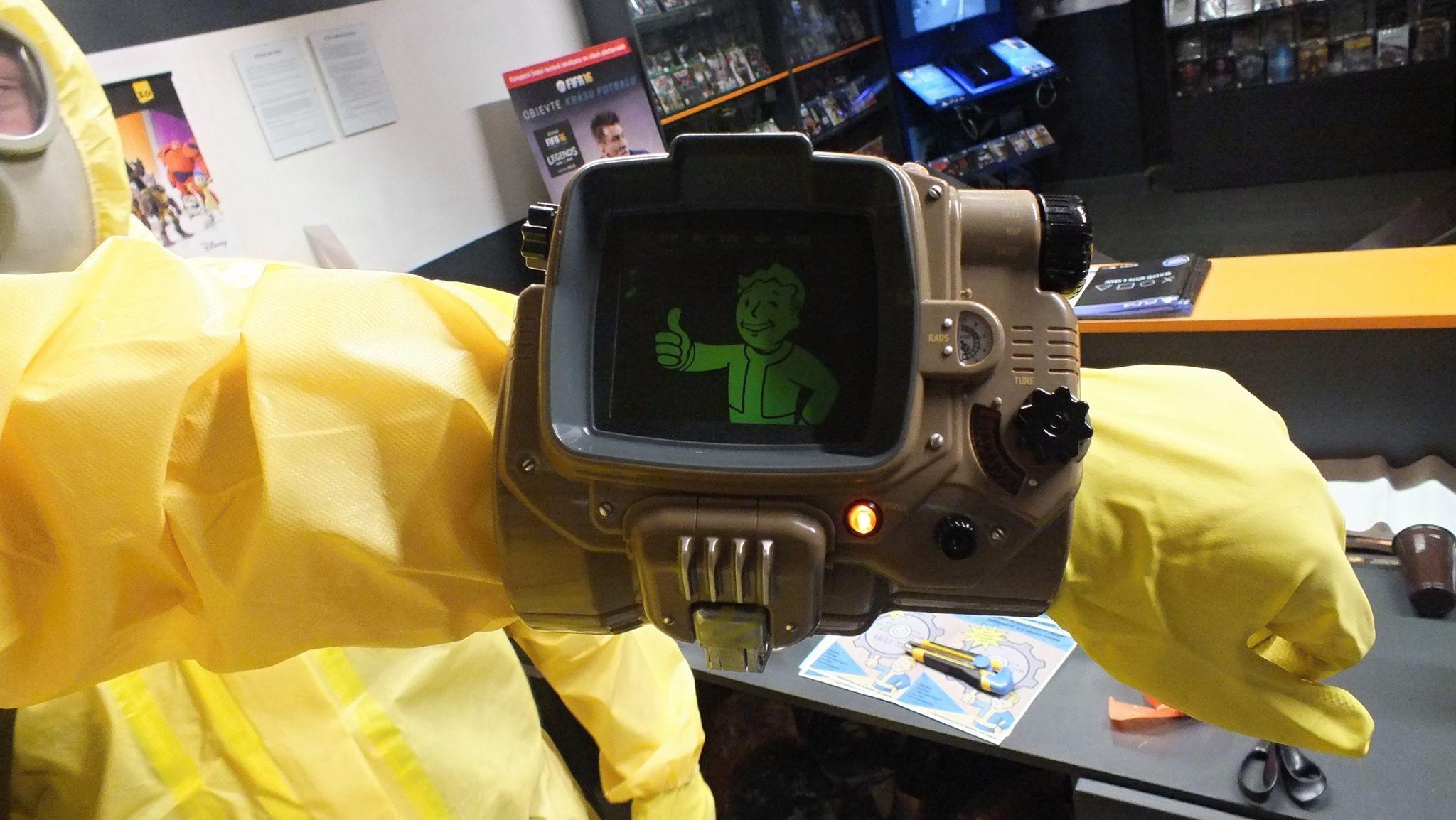 Fotky z půlnočního prodeje Falloutu 4 116131