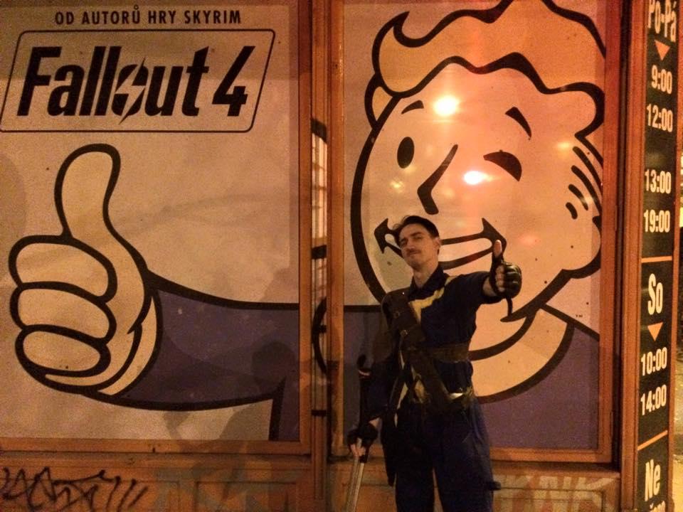 Fotky z půlnočního prodeje Falloutu 4 116147