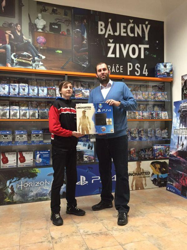 Konzole PlayStation 4 s kolekcí Uncharted našla nový domov 117987