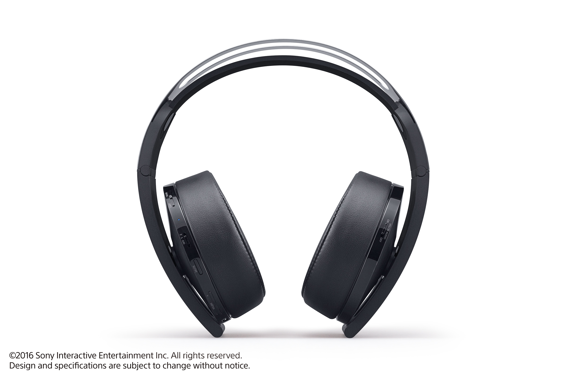 Platinová sluchátka pro PS4 budou v prodeji později 130444