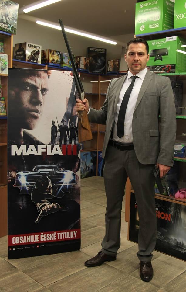 Fotky z půlnočního prodeje Mafie 3 131838