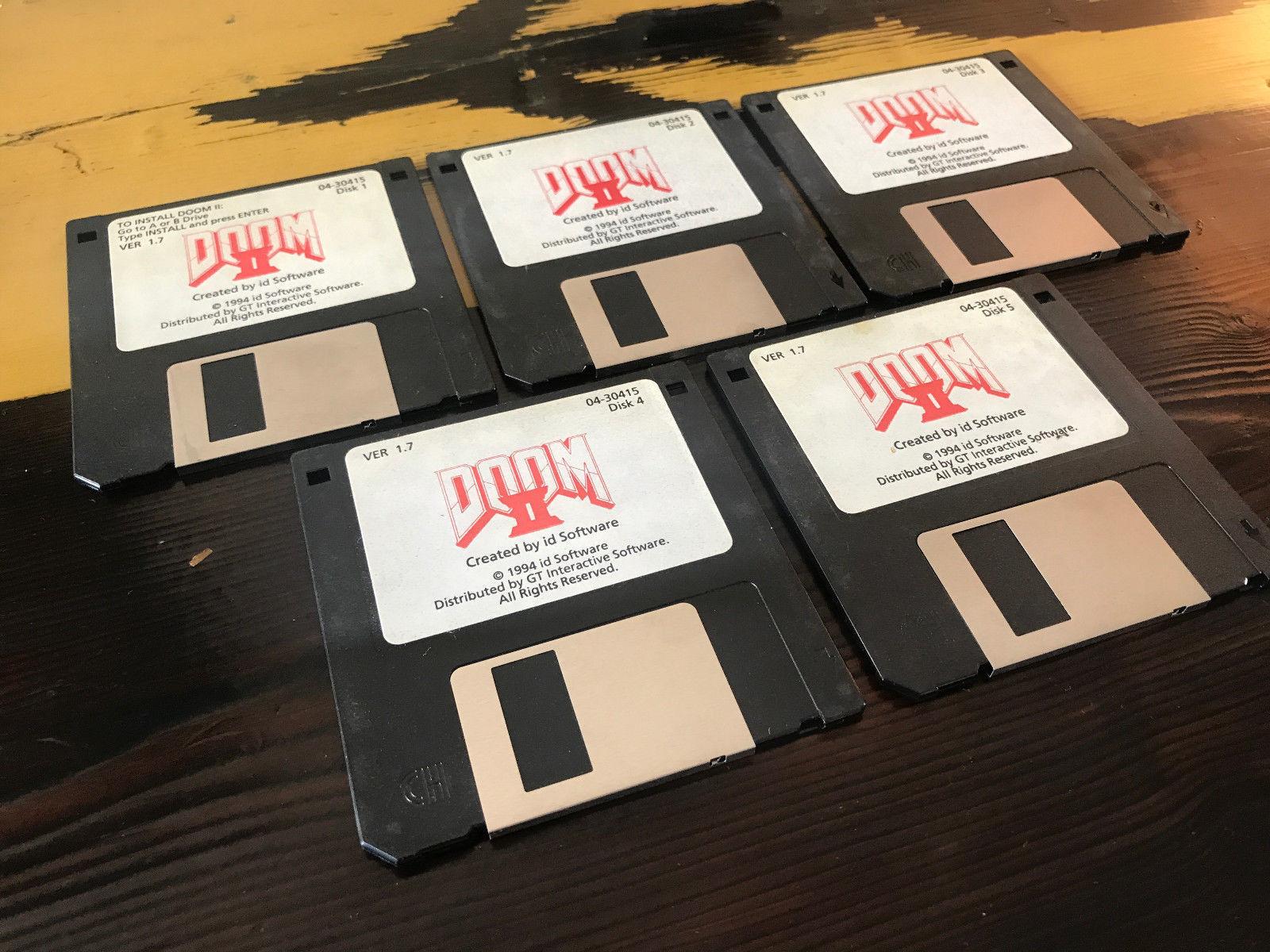 Chcete Doom 2 na původních disketách od Johna Romera? Připravte si 70 tisíc 146603