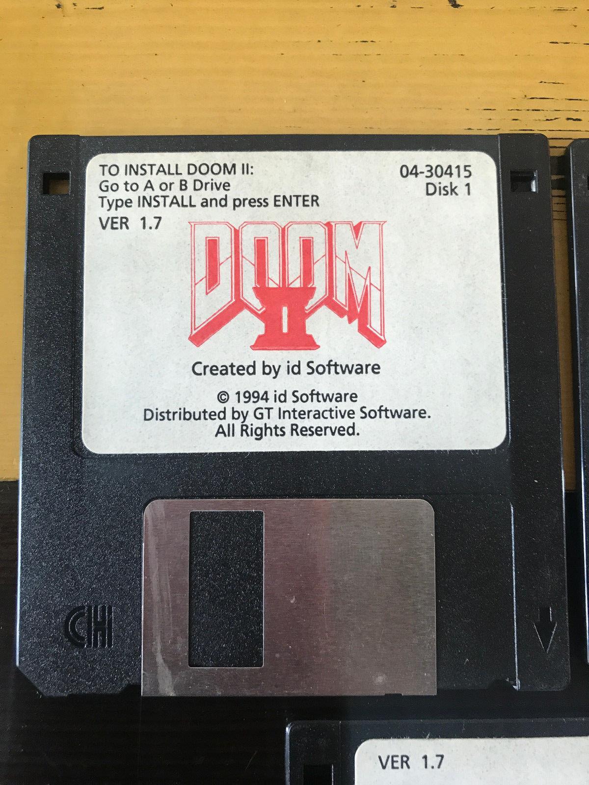 Chcete Doom 2 na původních disketách od Johna Romera? Připravte si 70 tisíc 146604