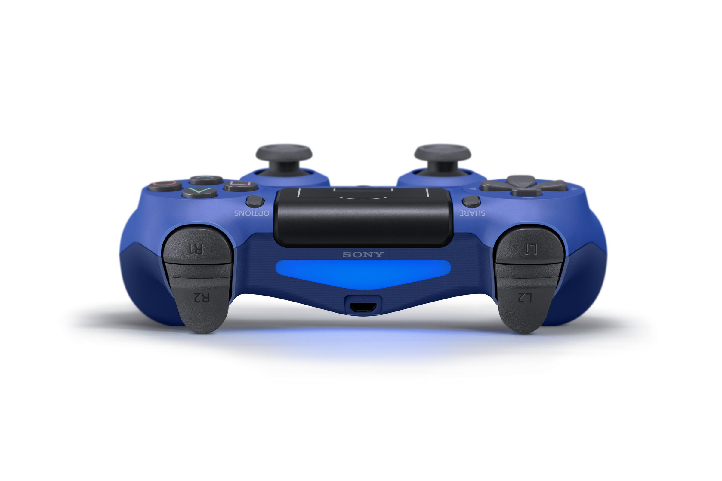 Nový vzhled DualShocku 4 má potěšit příznivce fotbalu 148251