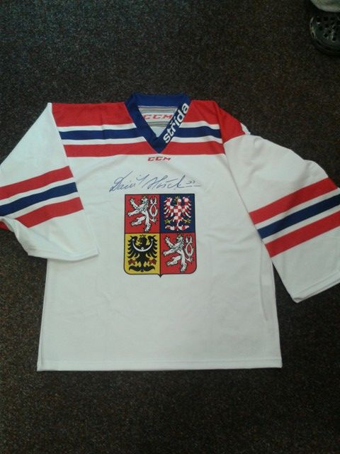 Vyhrajte podepsaný dres Dominikem Haškem nebo NHL 18 149718