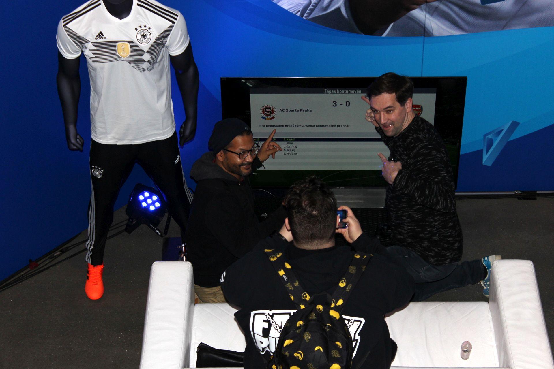 Vyzkoušeli jsme, co si zahrajete na PlayStation Nation 152791