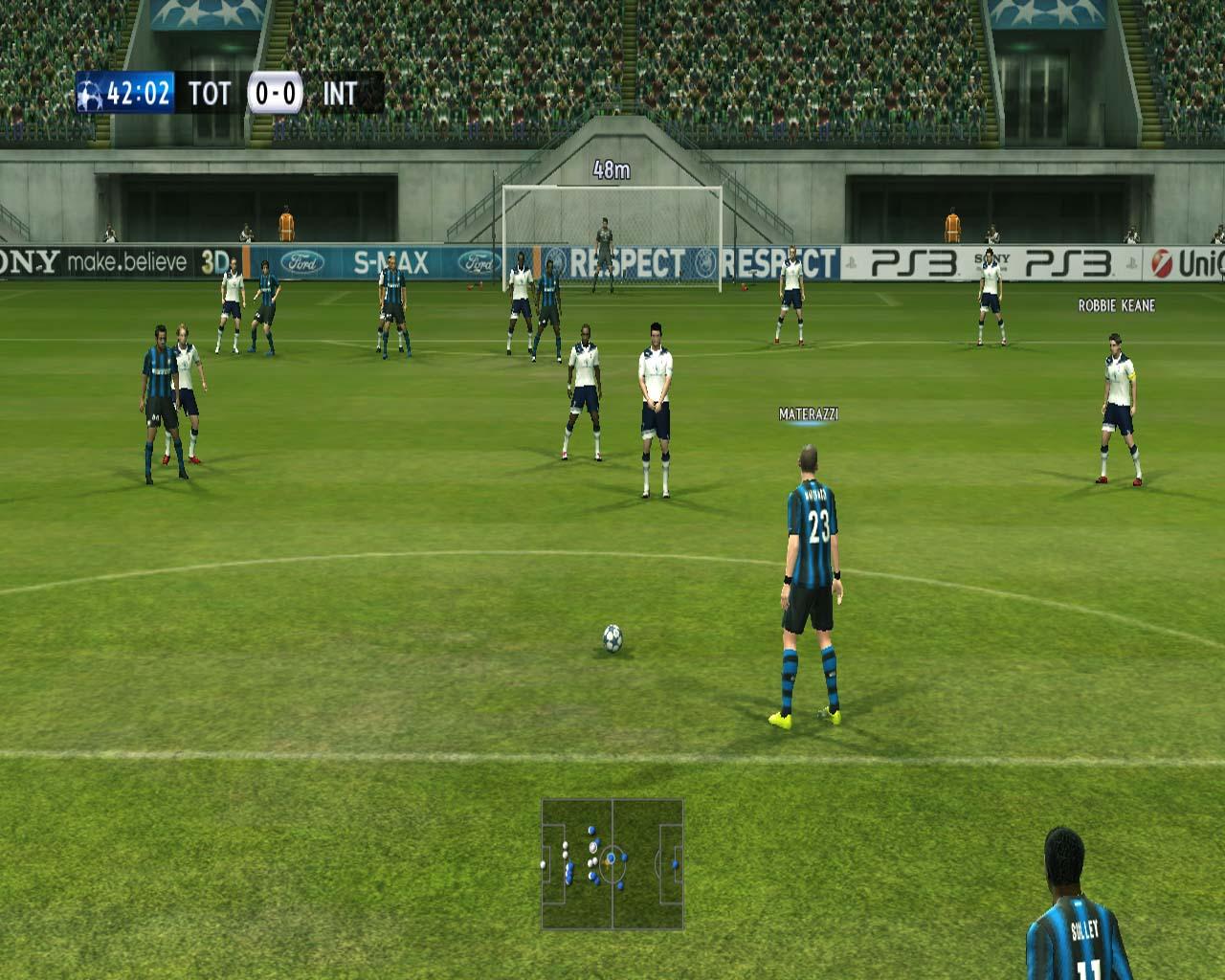 Pro Evolution Soccer 2011 - král je mrtev? 23556