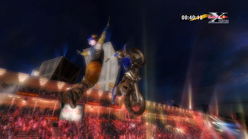 Konami kutí motokrosové závody 43324
