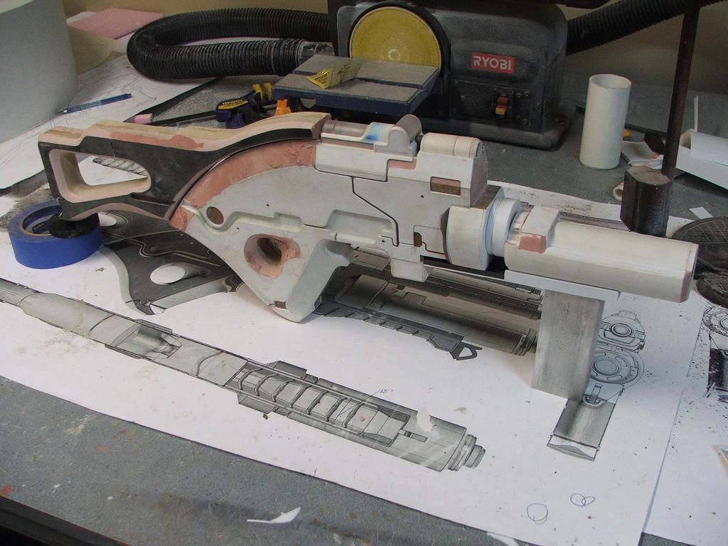 Pulzní puška N7 z Mass Effect 3 naživo 57099