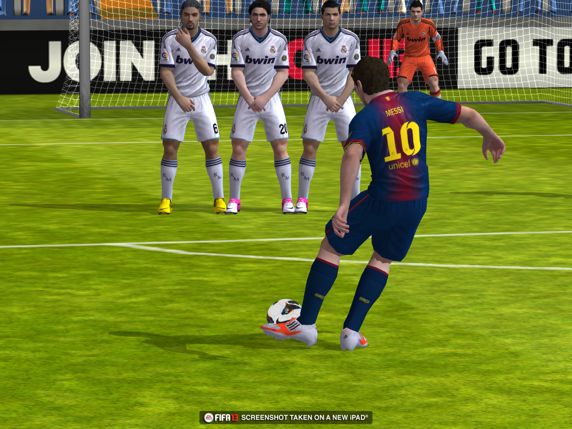 Obrázky z iOS verze FIFA 13 70829
