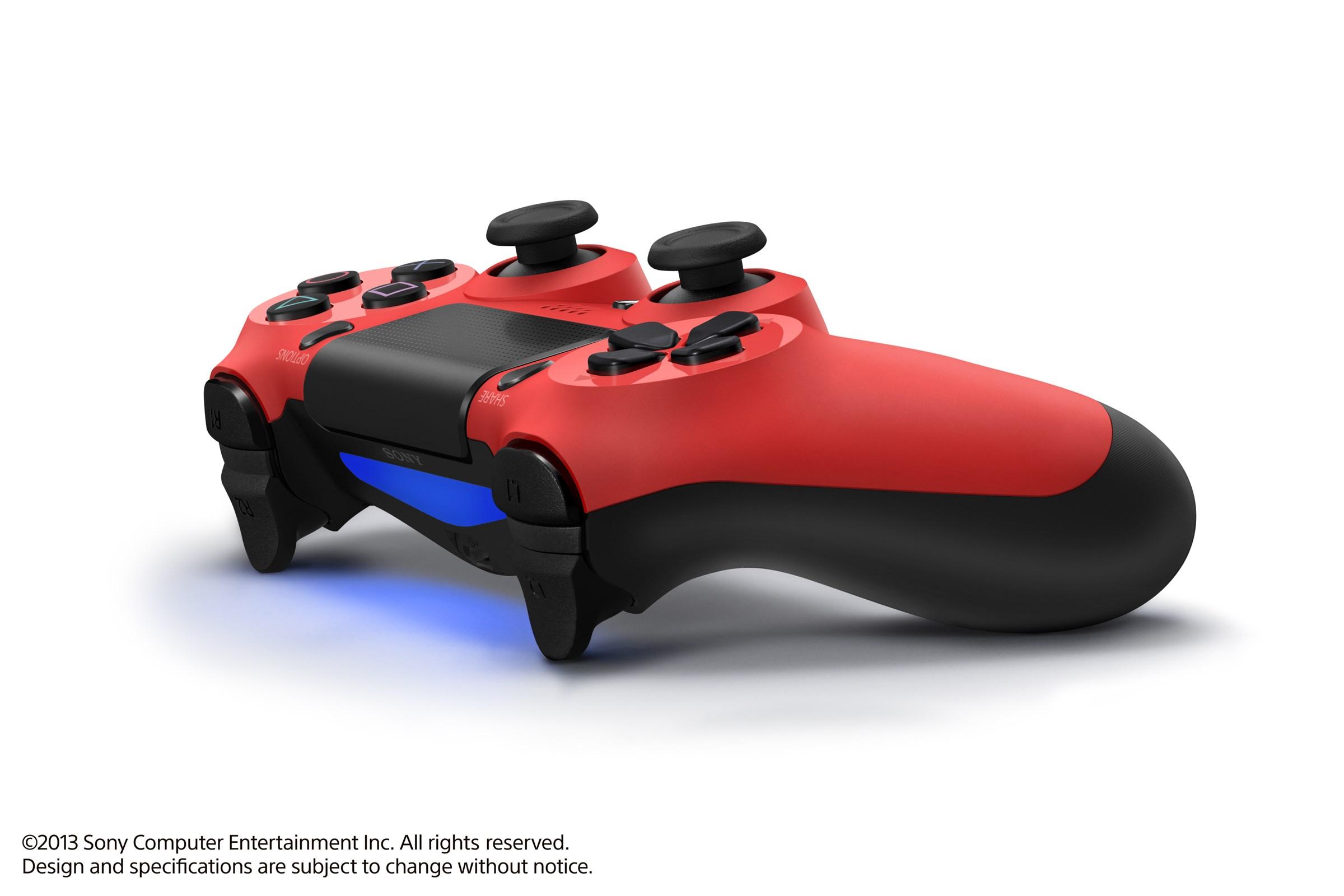 Modrá a červená varianta DualShocku 4 86421