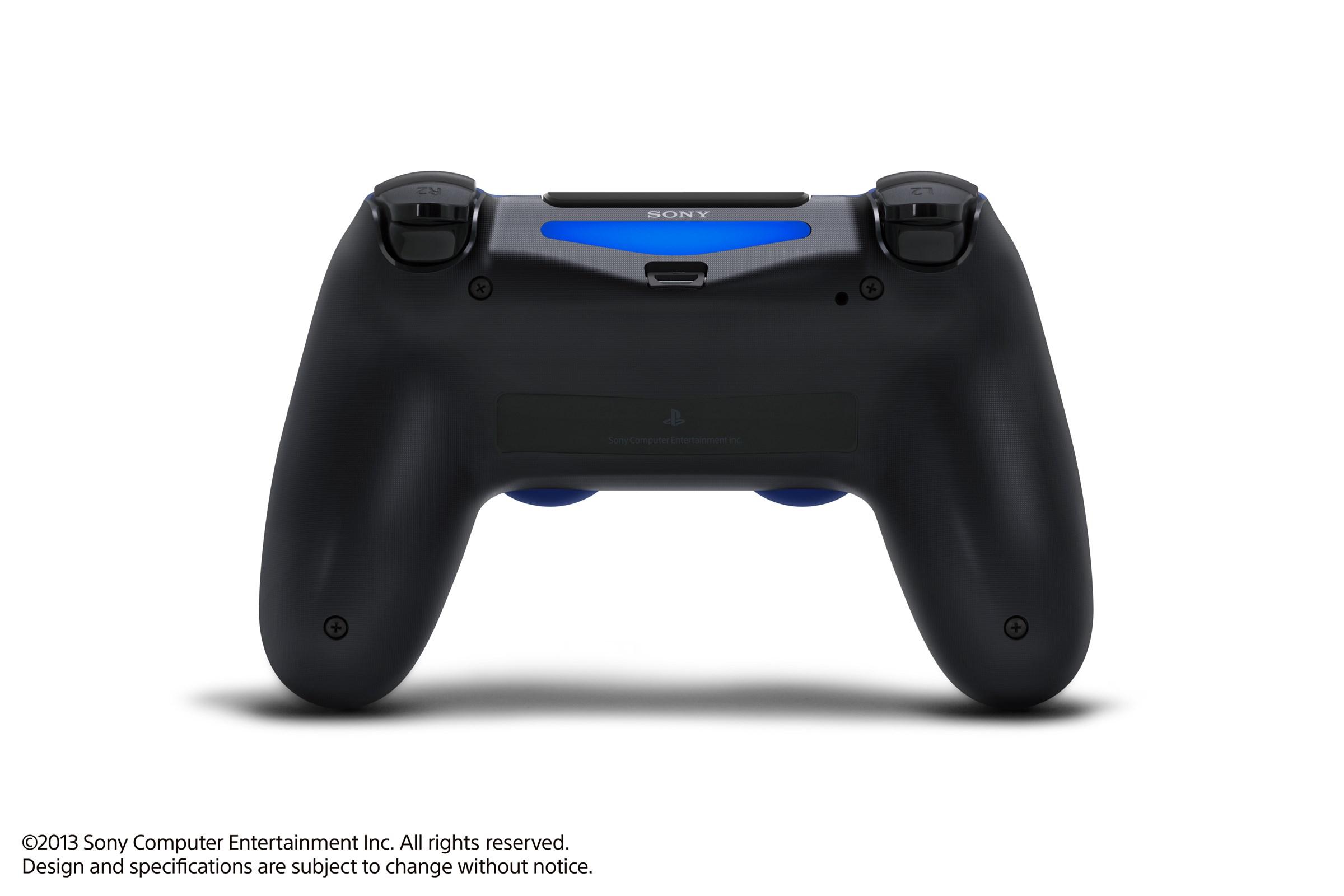 Modrá a červená varianta DualShocku 4 86424