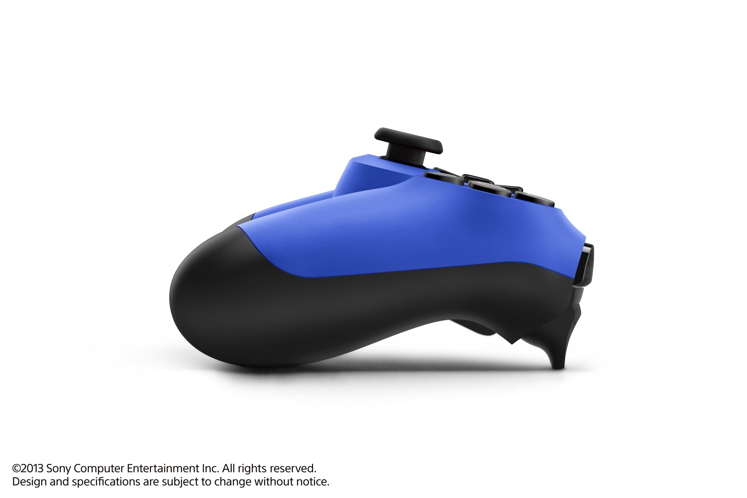 Modrá a červená varianta DualShocku 4 86426