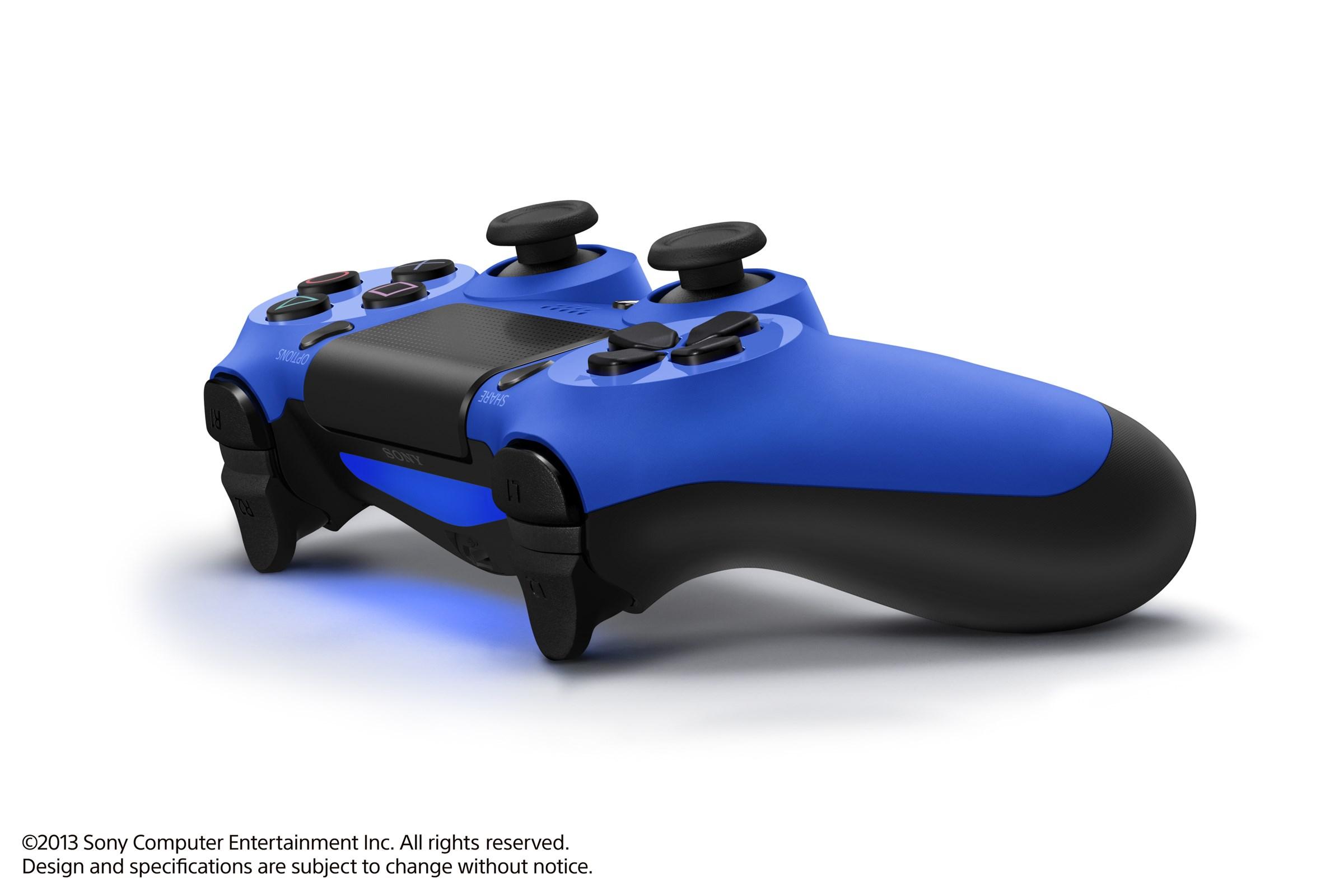 Modrá a červená varianta DualShocku 4 86427