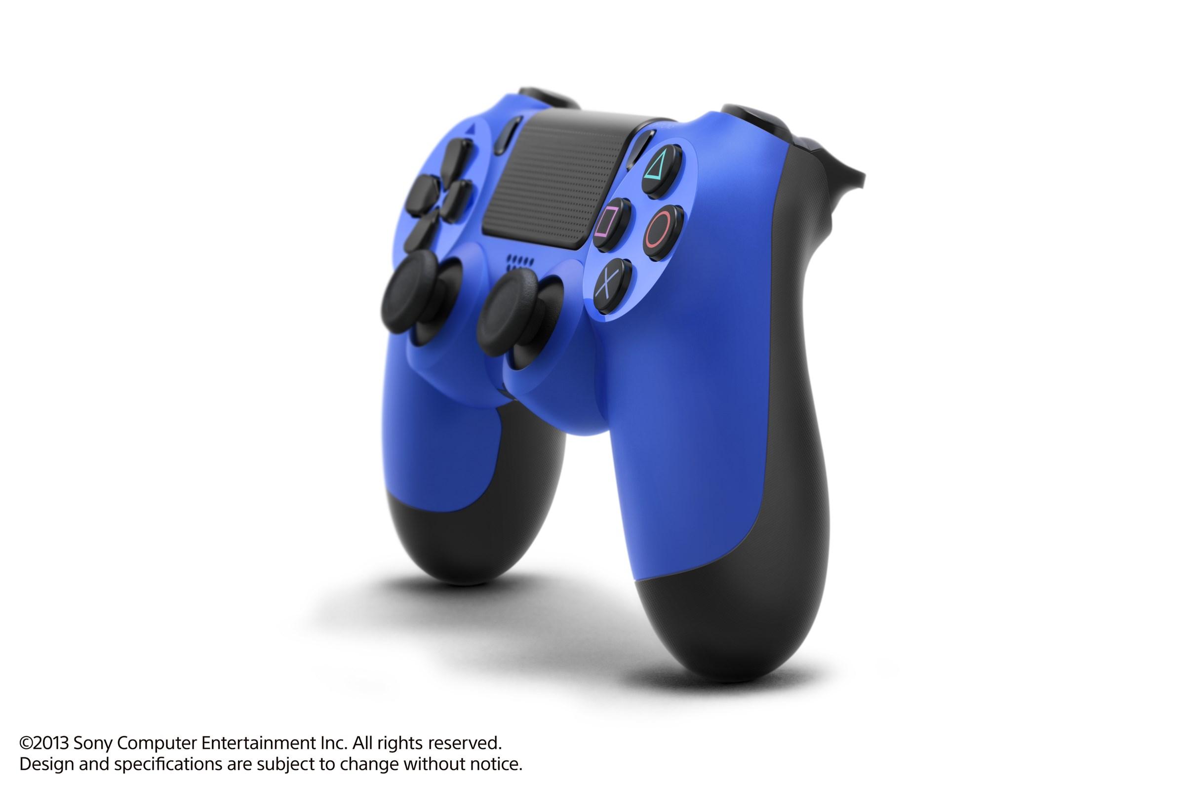 Modrá a červená varianta DualShocku 4 86428