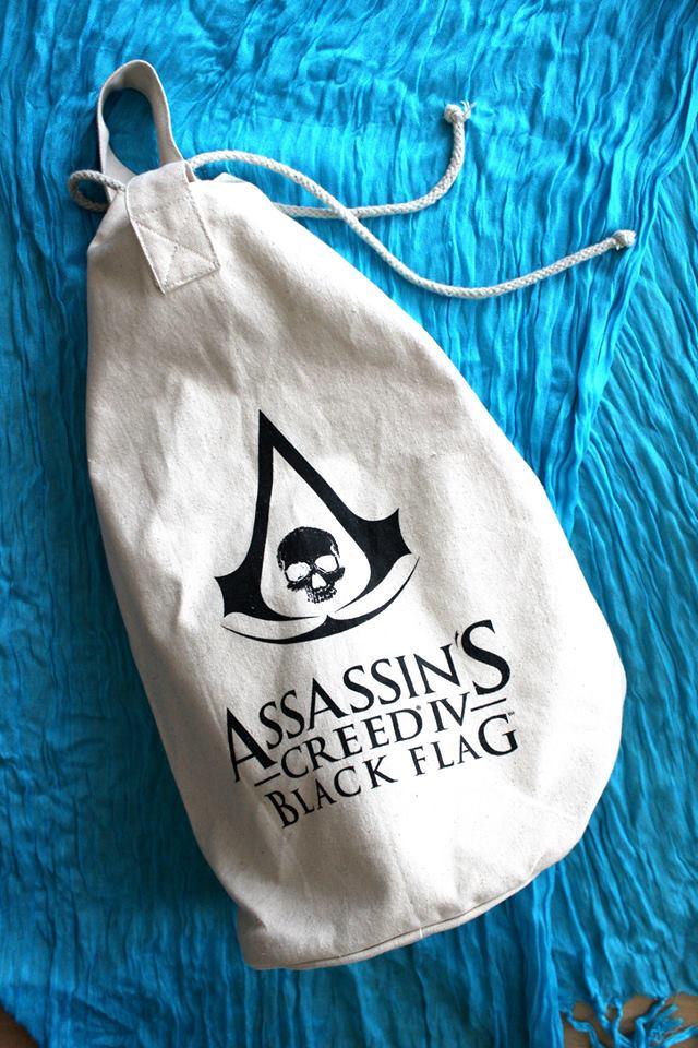 Hodinky, přívěšek, karty a mnoho dalšího s logem Assassin's Creed 4 88975