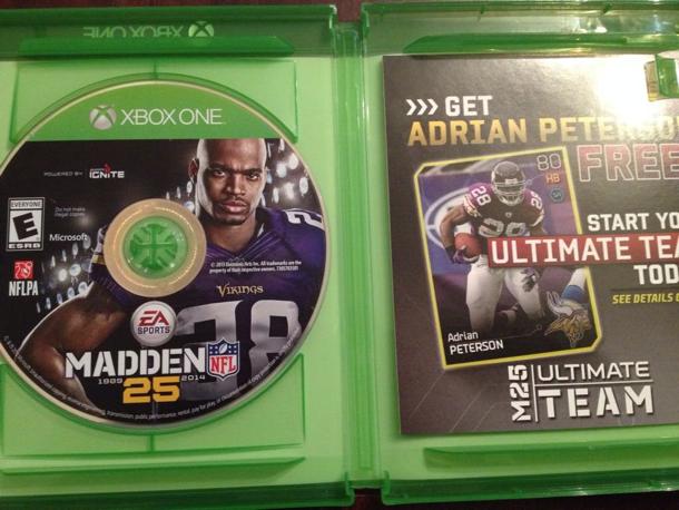 Krabičky her pro Xbox One mají disk na opačné straně 90065