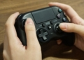 Nový PS4 gamepad od Hori se podobá tomu z Xboxu 154776