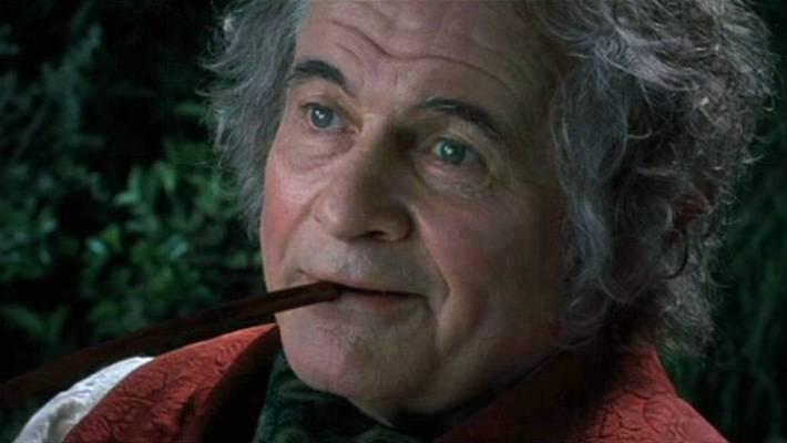 Zemřel Bilbo Pytlík Ian Holm bilbo