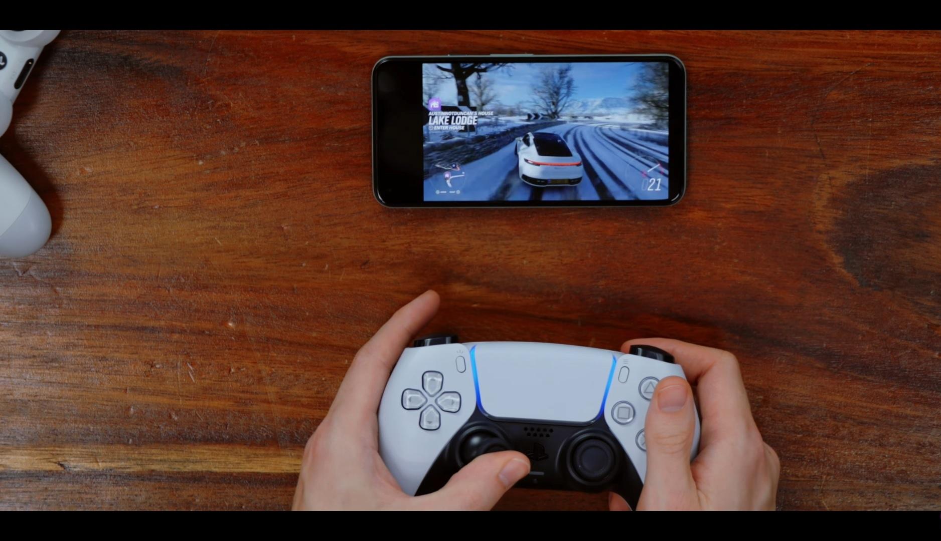 Vybalení a prohlídka ovladače DualSense Mobil 1