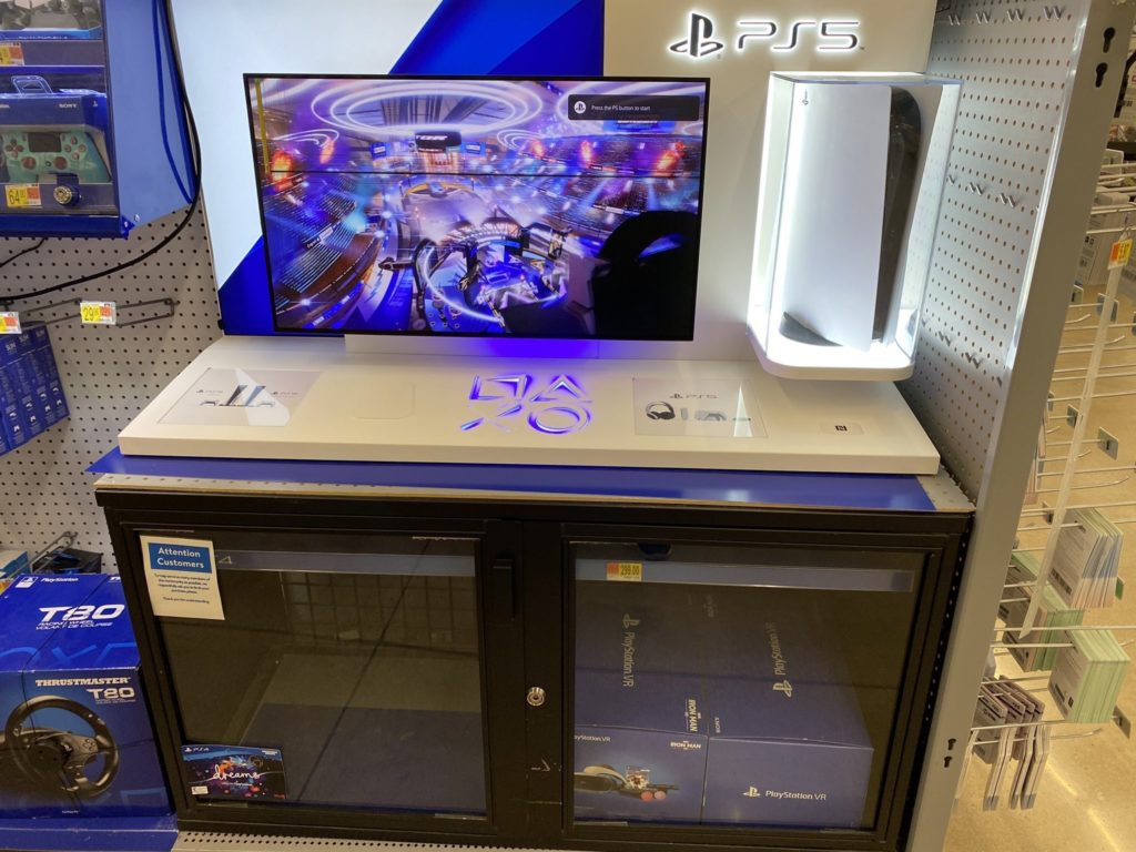 Nešťastně vystavené PS5 v obchodech se přehřívají ps5shop1
